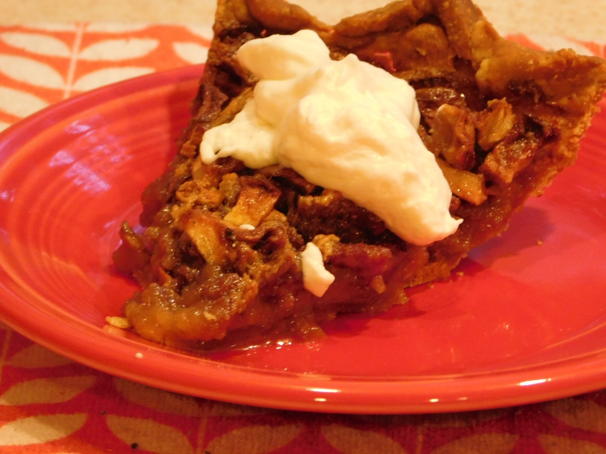 Mama's Apple Pecan Pie